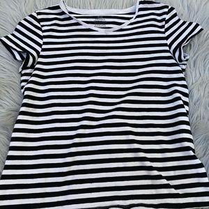 H&M white and black  striped T shirt